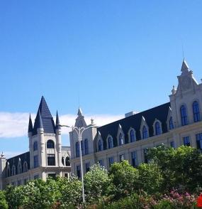 beplay|娱乐场东部新城,有座美丽的城堡——春宜街,开街啦!